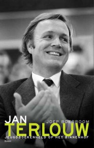 jan-terlouw-jeugdboekenheld-op-het-binnenhof-joep-boerboom-boek-cover-9789089536136